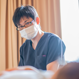 外反母趾を治す鍼灸治療 鍼灸師 相良 明範
